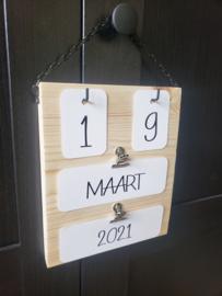 Eeuwige kalender - Hout