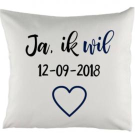 Kussen met Ja ik wil en trouwdatum 40 x 40 cm