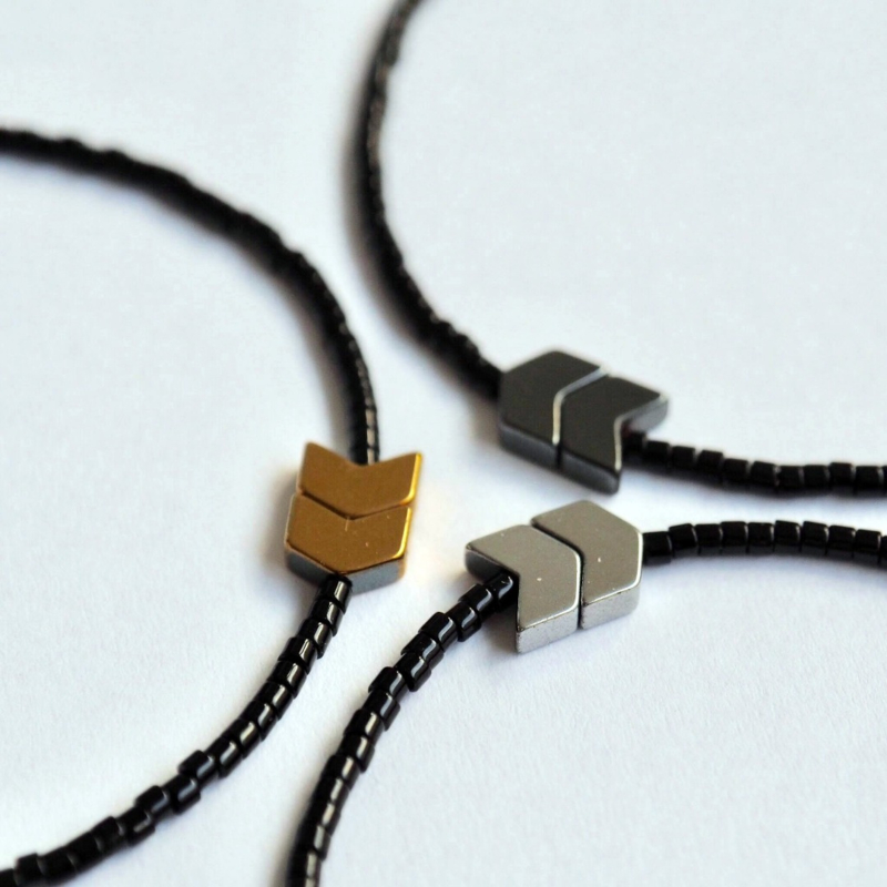 Arrow Armband zwart / zilver - Flessenpost
