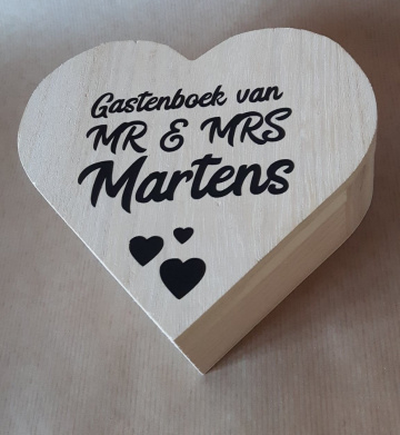 Gastenboek met houten hartjes v.a. 50 stuks
