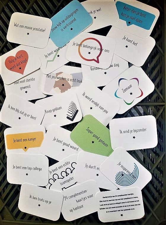 Set van 24 Complimentenkaartjes Kantoor - Versie 6