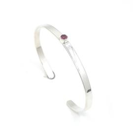 Zilveren armband met rhodoliet.