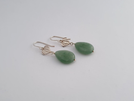 Zilveren oorhangers met groene agaat.