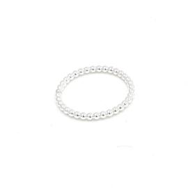 Zilveren pareldraad ring.