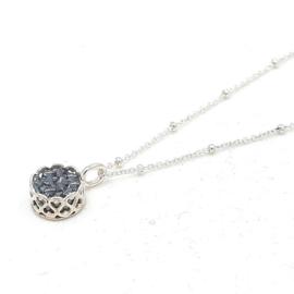 Zilveren collier met zwarte hematiet.