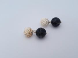 Zilveren oorstekers met larvikiet