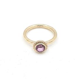 Geelgouden ring met roze topaas.