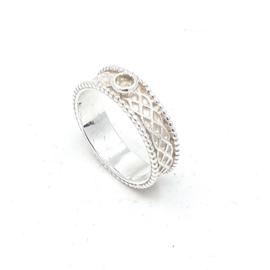 Zilveren ring met groene amethist.