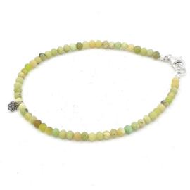 Zilveren geregen armband met groene turkoois.