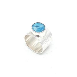 Zilveren ring met turkoois.