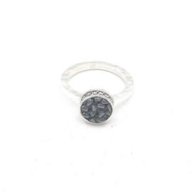 Zilveren ring met zwarte hematiet.