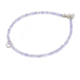 Zilveren geregen armband met amethist.