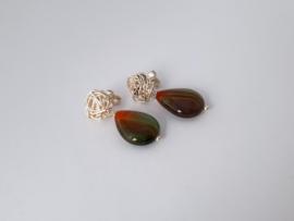 Zilveren oorstekers met agaat.