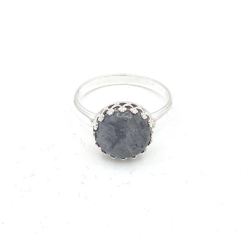 Zilveren ring met larvikiet.