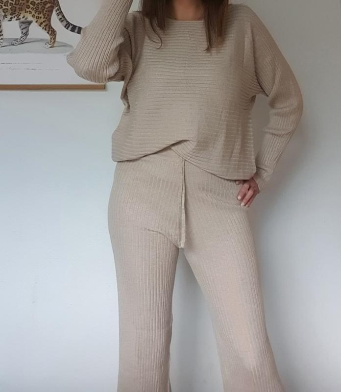 Comfy suit met flaired broek