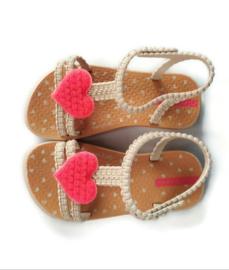 24 - Ipanema slippers met hart