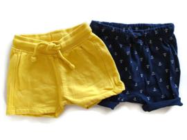 68 - Hema/H&M set van 2 korte broeken