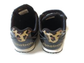 22 - Reebok sneakers