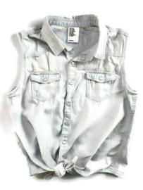 152 - H&M mouwloze spijkerblouse
