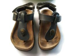 22 - Kipling sandalen