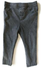 92 - Zara jegging/spijkerbroekje