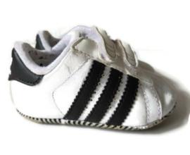 18 - Adidas Superstar schoenen/sneakers