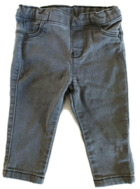 74 - Zara spijkerbroekje