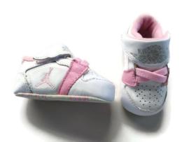 16 - Nike Air Jordan 1st crib sneakers NIEUW