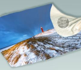 Texelse Vuurtoren en Duinlandschap in de winter, Fleece Deken.