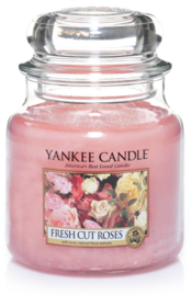 Yankee Candle Fresh Cut Roses - Medium