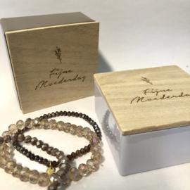 Juwelendoosje met verrassingsarmbandjes