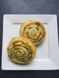 Set home made mini-pestobroodjes (2 stuks) - als aanvulling op een high tea box