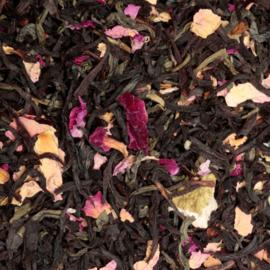 Zwarte thee geurige rozentuin