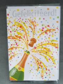 Felicitatiekaart Champagnefles gefeliciteerd
