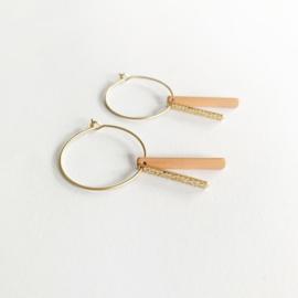 Ronde oorsteker met dubbel staafje in goud/nude