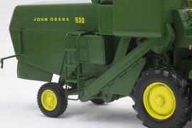 John Deere 530 Combine
