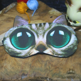Sleepmask cat with green eyes