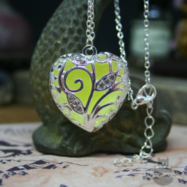 Decorative glow in the dark elfish necklace heart shape