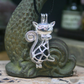 Sitting cat aroma diffuser necklace