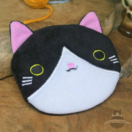 Black white embroided cat wallet