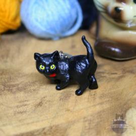 Schlüsselanhänger schwarze Katze mit rotem Schal