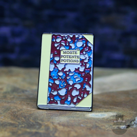 Harry Potter Pin Moste Potente Potions von Flourish & Blotts