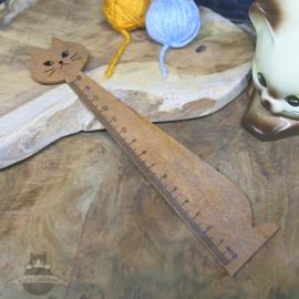 Wooden cat shaped ruler 15 cm