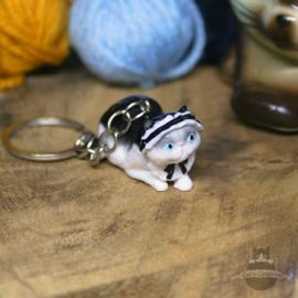 Schlüsselanhänger Katze mit Dienstmädchenhut