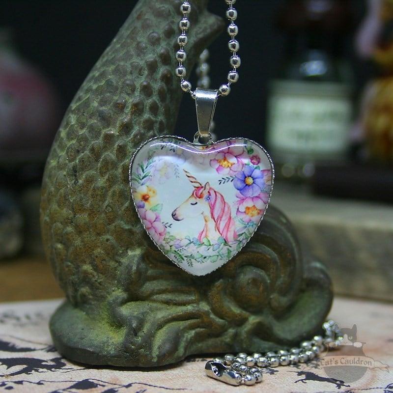 Valentijn eenhoorn ketting met hanger van hart met bloemen