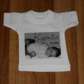 Vb. mini t-shirtje met vrij ontwerp