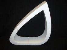 Piepschuim vorm genaamd OMGEDUWD, hoogte 25 cm