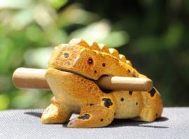 Houten kikker 11 cm (okergeel gevlekt)