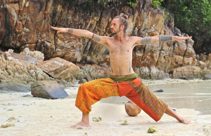 Octavio YOGA yogakleding.jpg