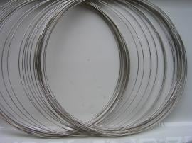 rol vormvaste memory wire staalkleur voor het zelf maken van spangen (draad collier)